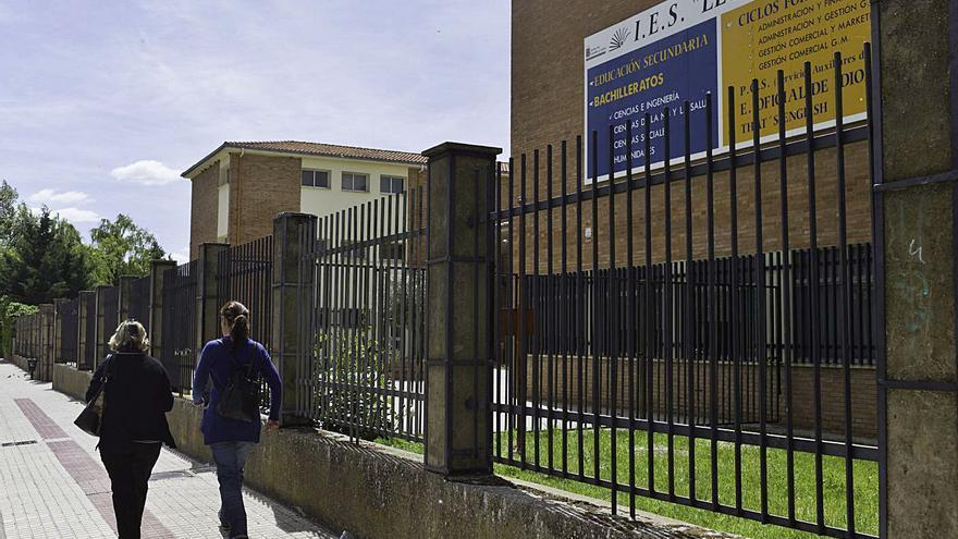 El colegio Buenos Aires y el IES León Felipe de Benavente impartirán clases de refuerzo en julio