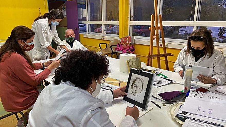 La escuela de pintura de Nigrán se muda a Camos