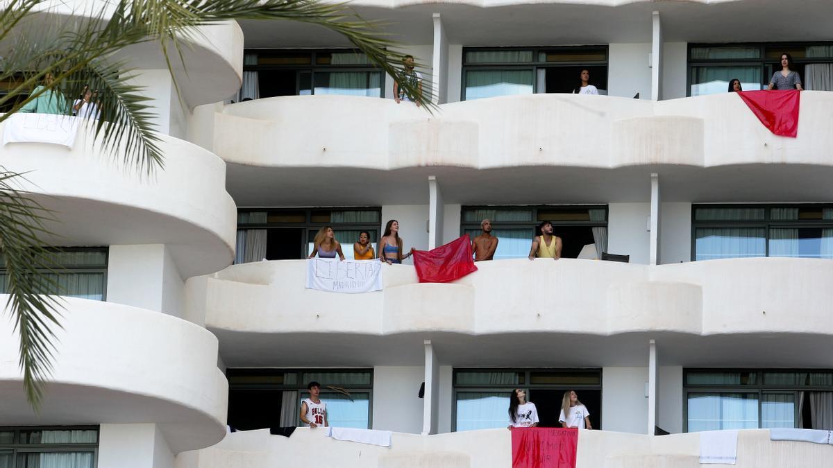 Los menores confinados en Mallorca protestan.
