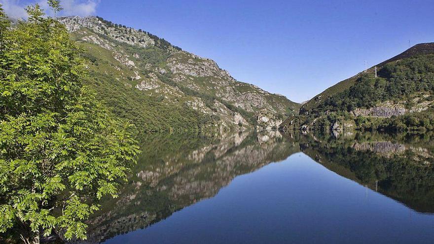 Cadasa recupera un caudal en Redes que eleva el suministro al centro de Asturias