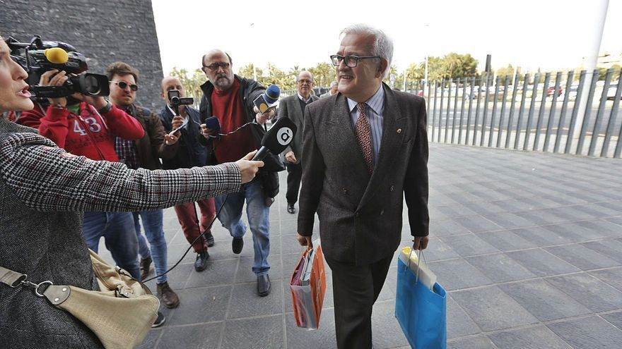 El fiscal reclama cárcel para César Asencio y otros ocho acusados de amañar contratos