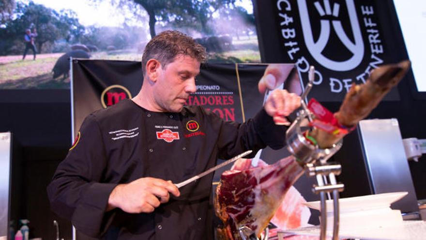 Pedro Hernández, mejor cortador de jamón