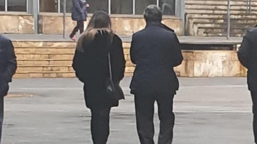 """""""No recuerdo lo que pasó"""", dice el niño que acusó a su madre de pegarle con una percha en Oviedo"""