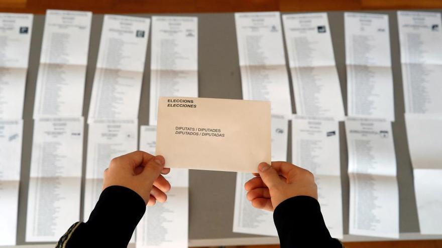 El voto por correo alcanza una cifra récord en Cataluña