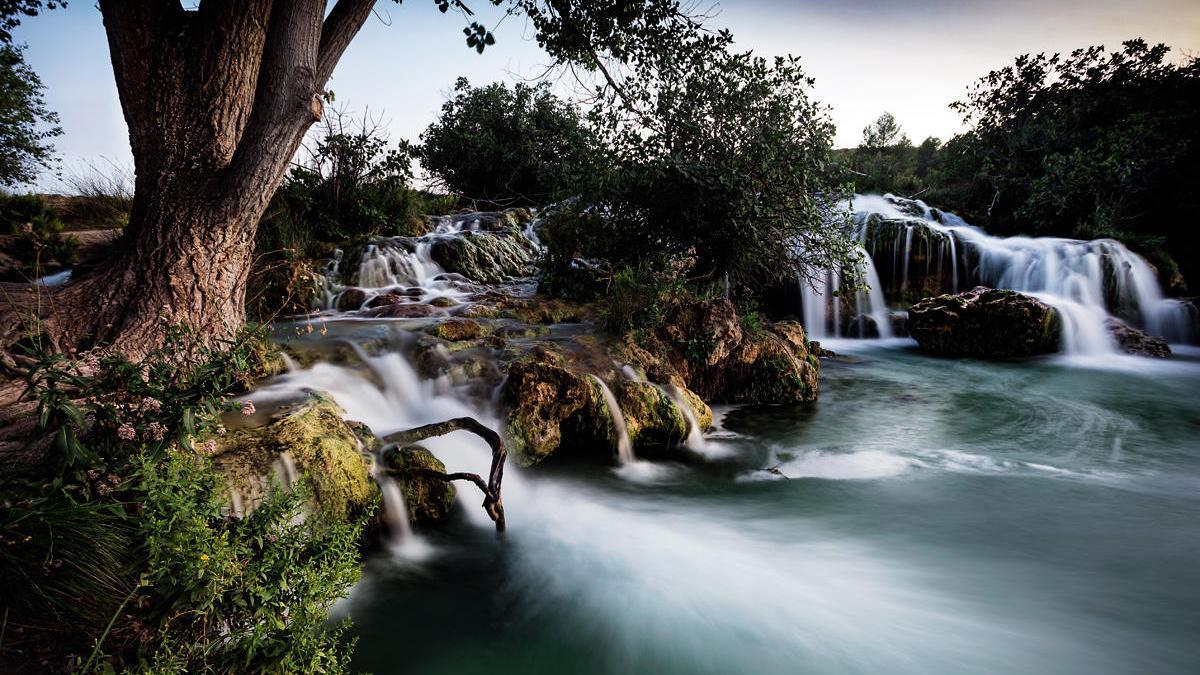 Salto de agua a la laguna Salvadora.