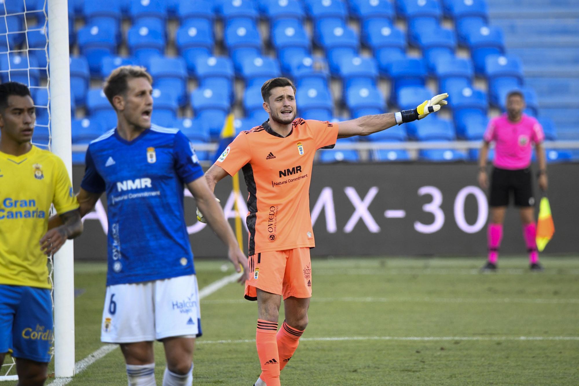El partido del Oviedo, en imágenes
