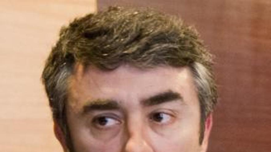Archivan la querella del exdecano de los economistas contra el actual decano