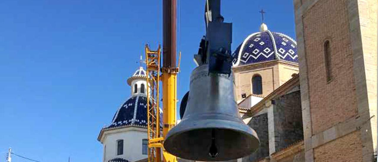 Altea vuelve a oír el tañido de las campanas de su iglesia parroquial