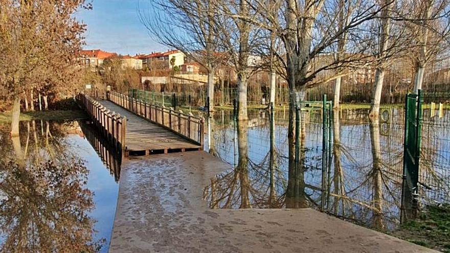 Uno de los puentes reparados. |