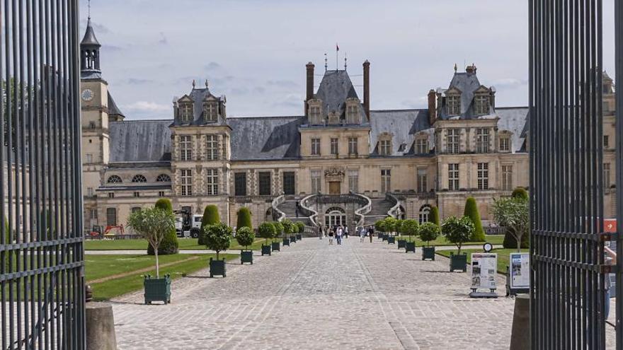 Detenidos cinco españoles que iban a robar en el Palacio de Fontainebleau