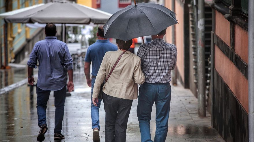 La borrasca 'Lola' dejará lluvias este sábado en Canarias