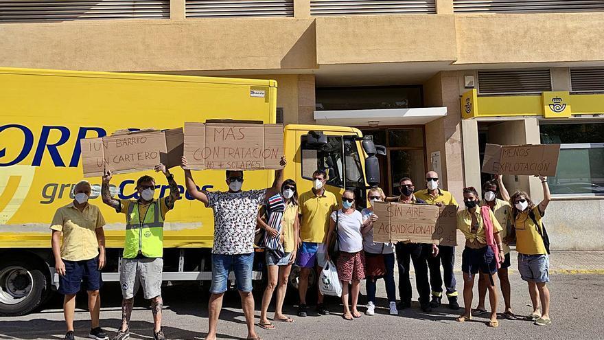 Huelga en Correos de Ibiza por «falta de personal» y de aire acondicionado