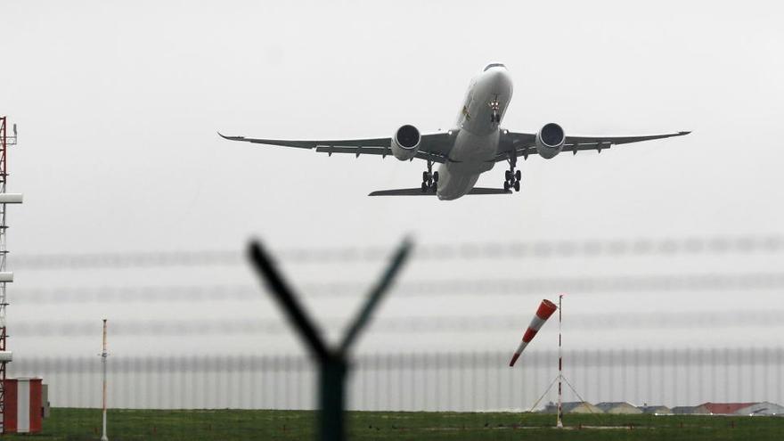 Portugal exigirá una PCR negativa y cuarentena a los españoles que lleguen en avión