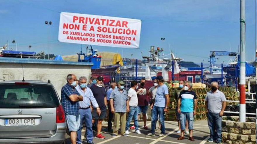 """Usuarios del pantalán de séptima lista de Bueu se unen contra su """"privatización"""" y se reúnen con Portos de Galicia"""