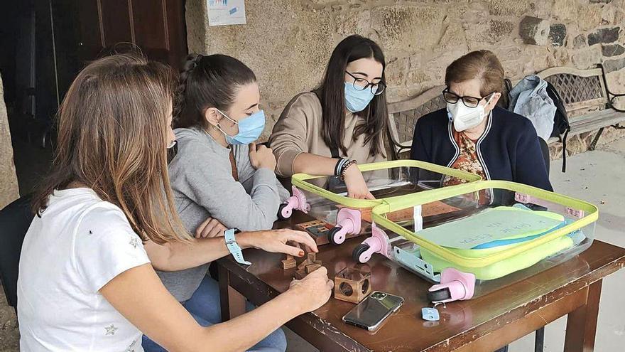 La pandemia frena la programación lúdica de la tercera edad en centros sociales y residencias