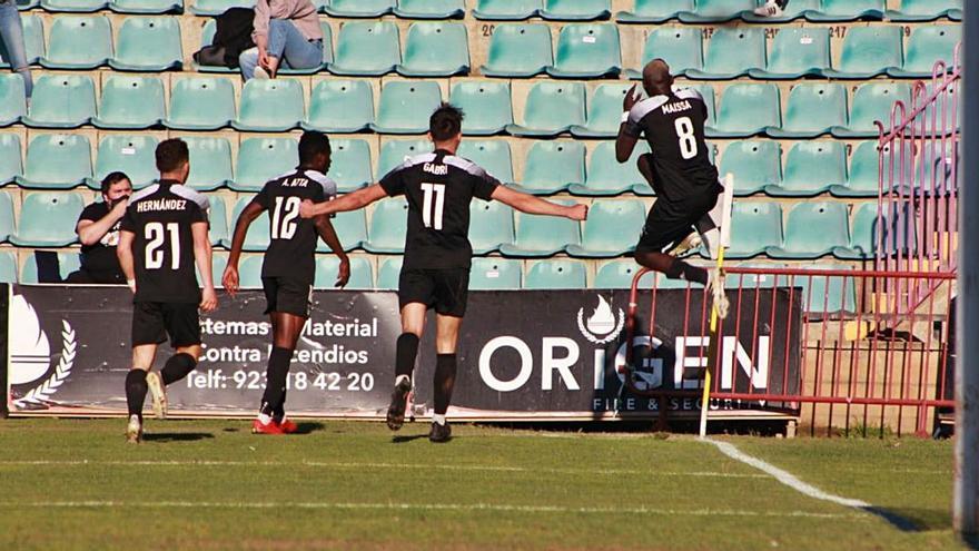 El equipo de Villaviciosa vivió un desagradable suceso en Salamanca: El racismo altera al Lealtad