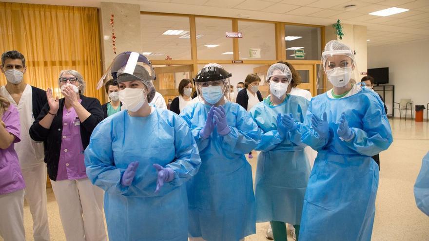 Los residentes de los Tres Árboles, los primeros en recibir la tercera dosis de la vacuna en Zamora