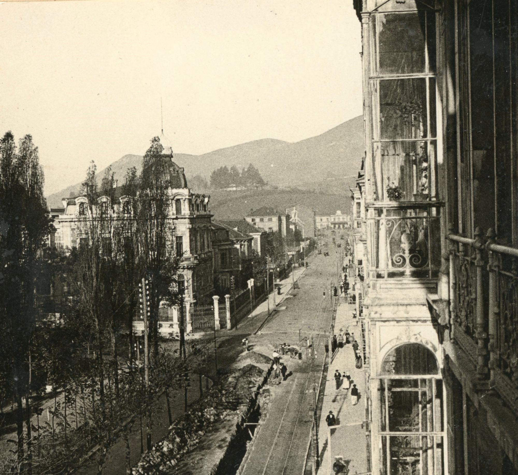Calle Uria.jpg
