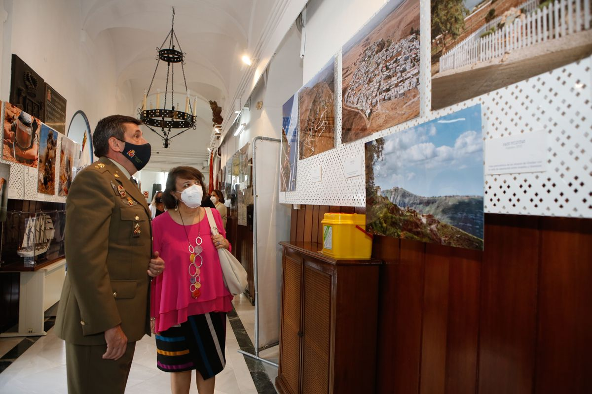 'Misión Líbano', una exposición fotográfica en la Subdelegación de Defensa