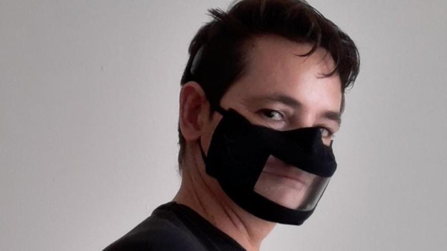 Un teldense logra que se regulen las mascarillas transparentes