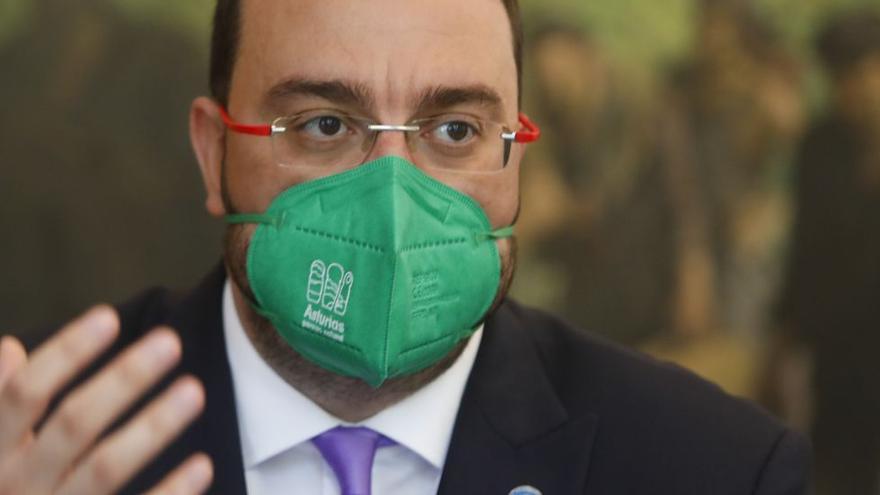 Barbón pasa página de la pandemia y pide acuerdos políticos para la reactivación