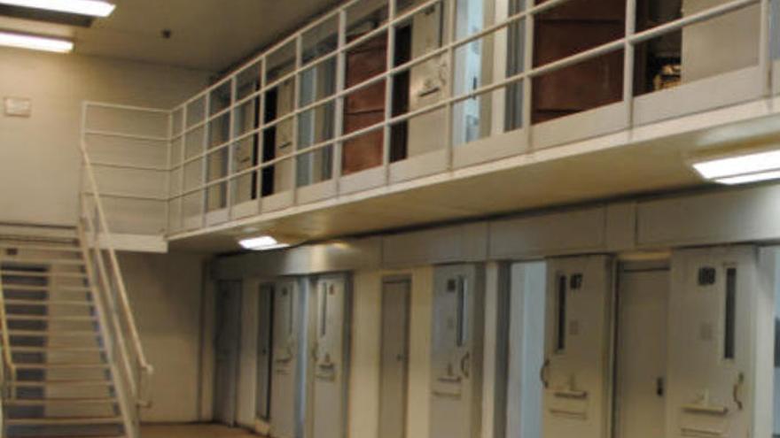 Intentan suministrar droga a un recluso en la cárcel