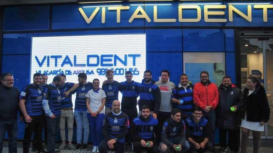 Convenio entre Os Ingleses y la clínica Vitaldent de Vilagarcía