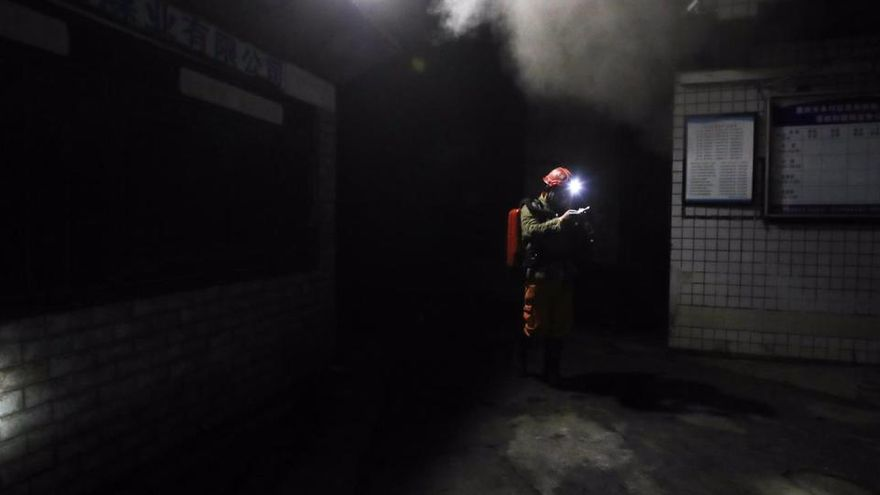 Tres personas mueren por presunta asfixia en una mina en el sur de Ecuador