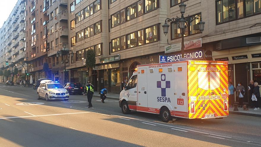 Herido grave un hombre de 63 años tras sufrir un atropello en Oviedo