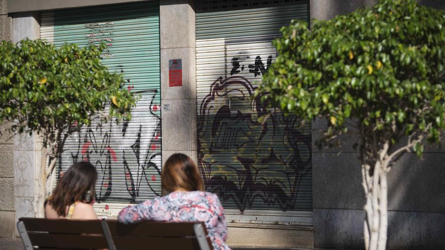 Santa Cruz de Tenerife permitirá que los locales comerciales se conviertan en viviendas