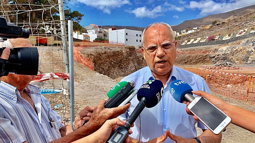 Curbelo urge a iniciar los trabajos de mejora de la vía de Paredes al aeropuerto