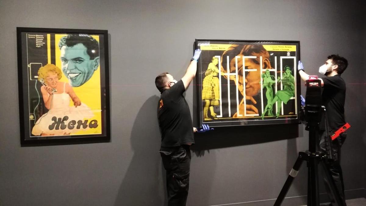 Montaje de una de las nuevas exposiciones del Museo Ruso