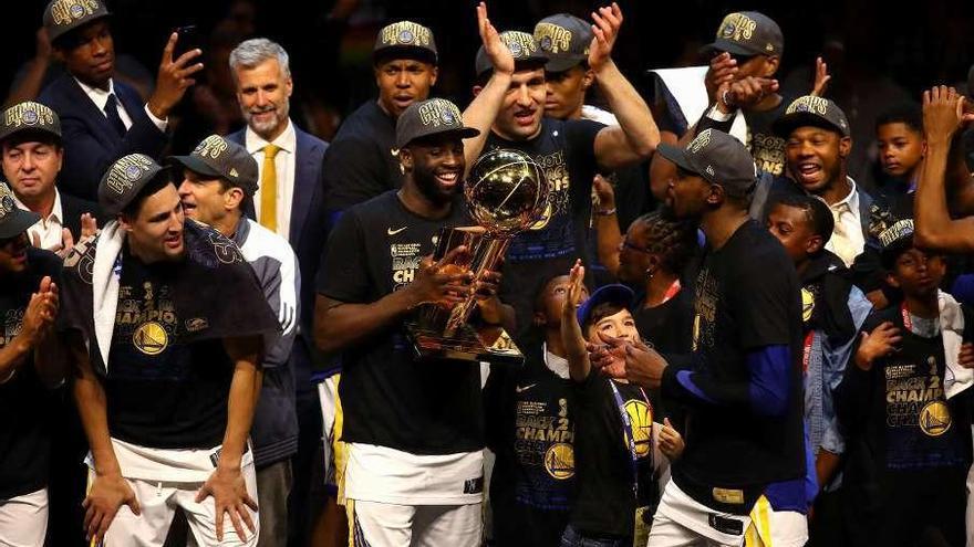 Los Golden State Warriors ganan su tercer anillo en cuatro años