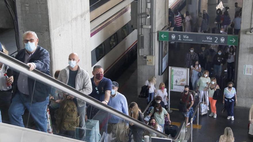 Llegada de los primeros viajeros y turistas a Córdoba.