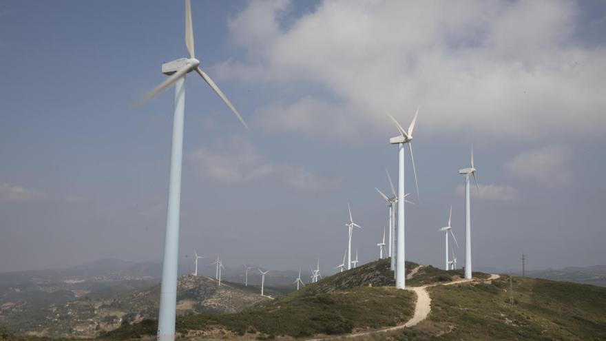 El Consell agiliza la implantación de plantas renovables