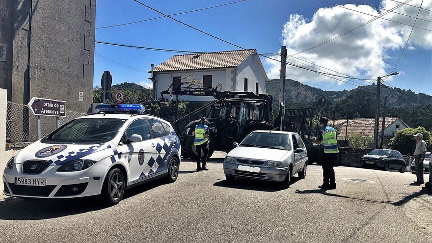 La Valedora do Pobo censura a Cangas por restringir el acceso en coche a varias playas a los no residentes