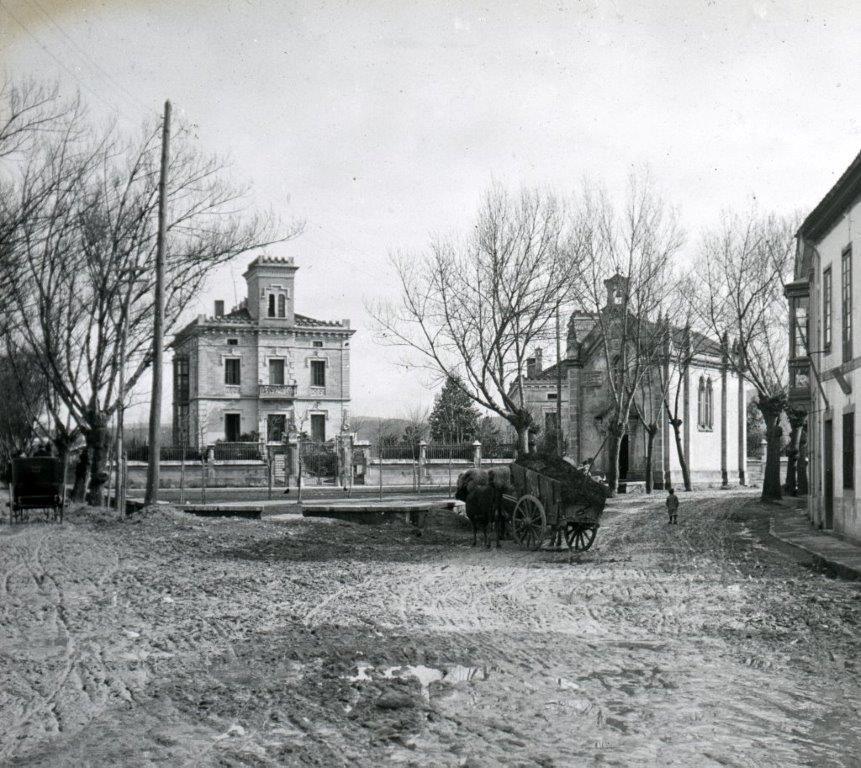 Capilla de La Guia a comienzos del siglo XX, fue destruida en el a�o 1936..jpg