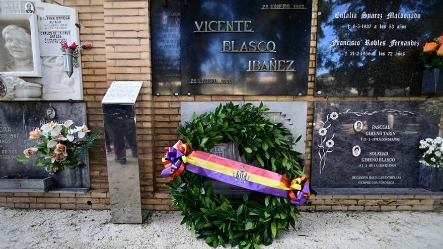 Último aniversario de Blasco Ibáñez sin el sarcófago