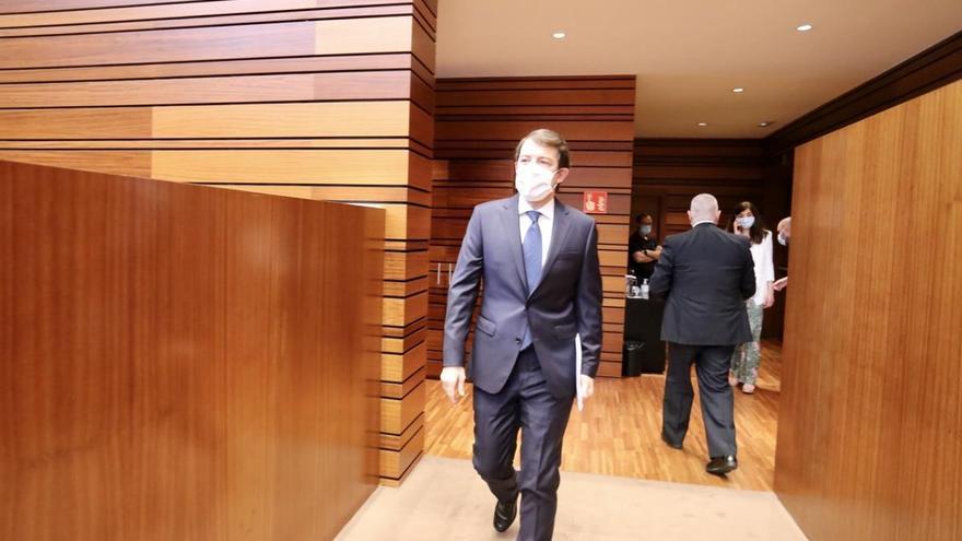 Debate de presupuestos   Mañueco ofrece dos pactos, cuatro leyes y dos decretos para modernizar Castilla y León