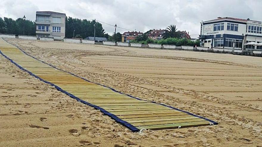 Una pasarela permitirá el acceso de personas con movilidad reducida a la playa Grande de Miño