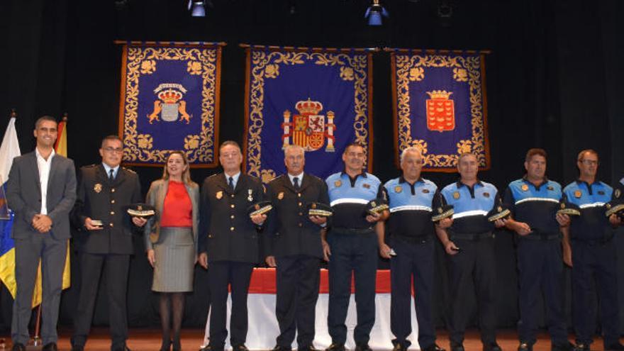 Policías locales de mar y tierra