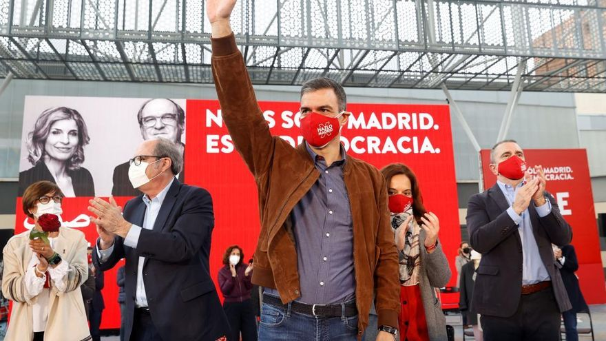 Sànchez fa una crida a aturar la ultradreta a les urnes: «Vox és una amenaça per la democràcia»