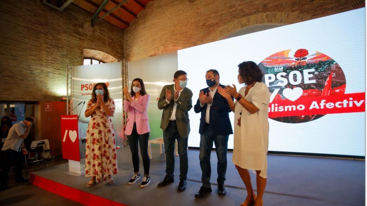 Un momento del acto celebrado ayer en València, con Puig y Ábalos en el centro.