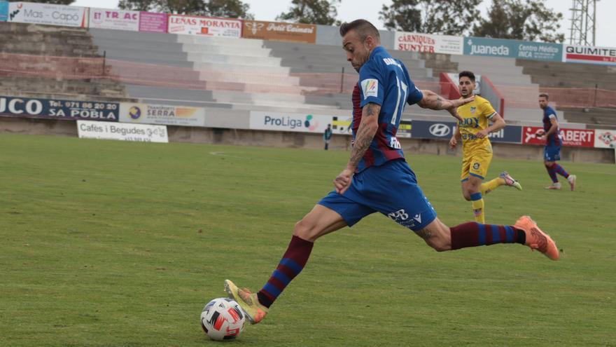 Mateu Ferrer rescata al Poblense en el minuto 93