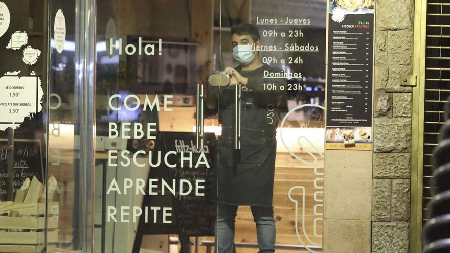Hostelería hasta la una de la madrugada y aumento del aforo en centros comerciales: estas son las nuevas restricciones en Asturias tras el estado de alarma