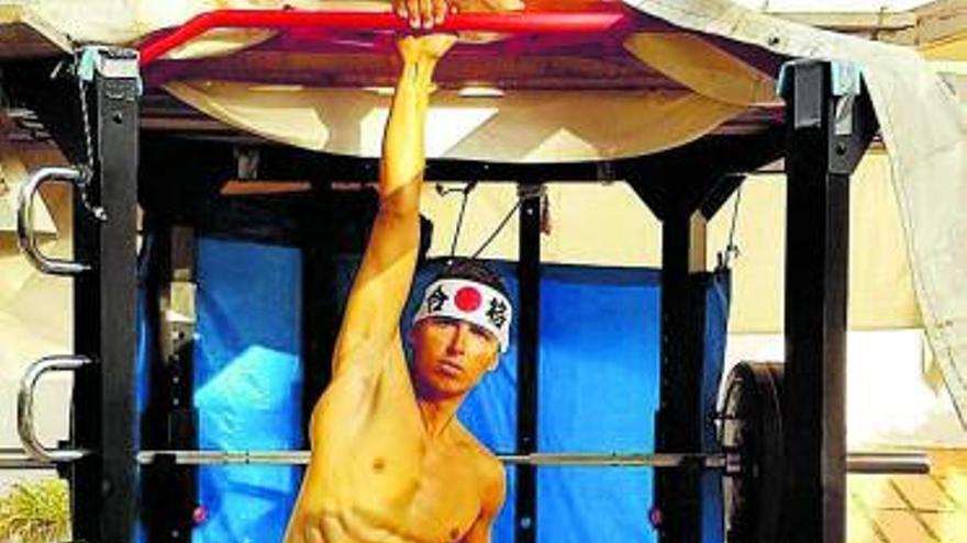 El pitiuso Mateo Sanz inicia el camino hacia las medallas en Japón