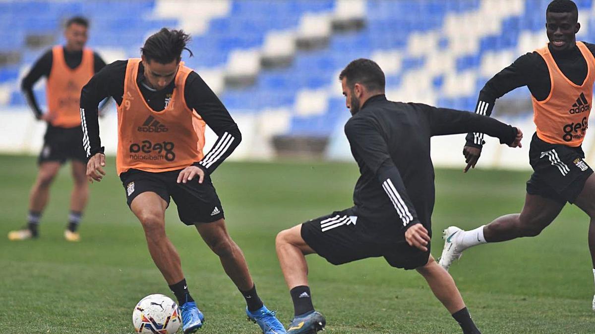 David Simón y Antoñito, en el entrenamiento de ayer antes de viajar a Las Palmas.