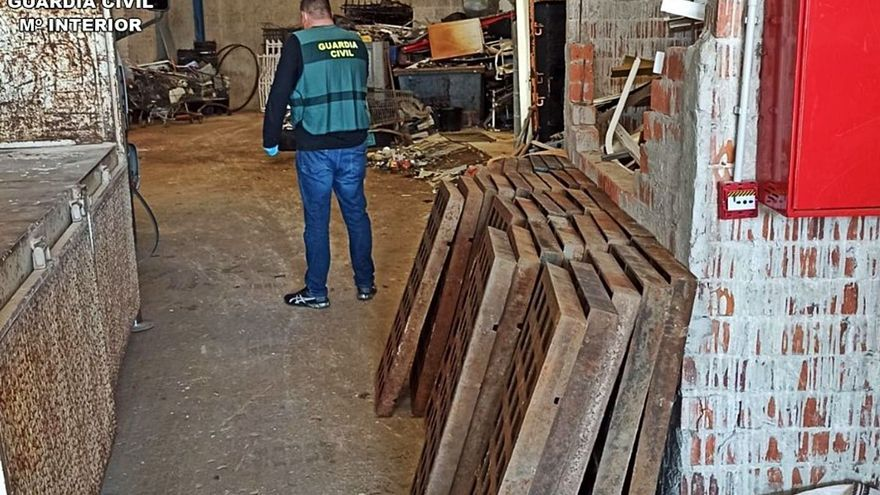 Detenido por robar 160 tapas de desagüe en Xàbia y venderlas en Benissa