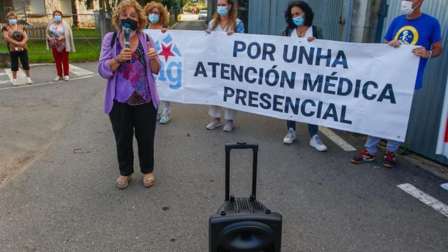 Meis vuelve a salir a la calle ante los severos recortes en los servicios médicos