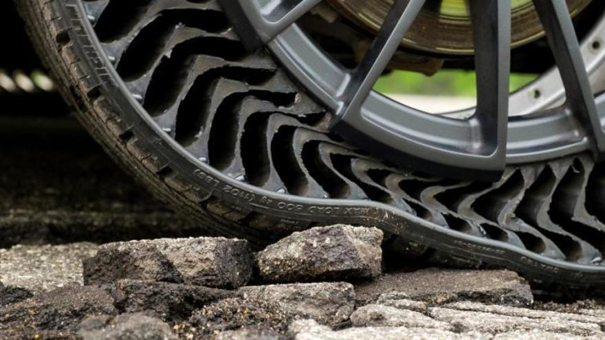 El neumático sin aire que nunca se pincha ni revienta